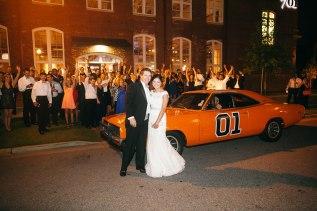 Exteror-w-car-wedding