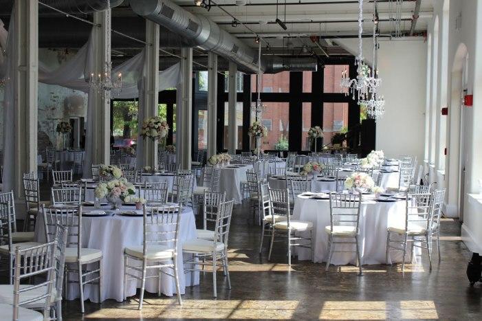 Grand-Hall-tables