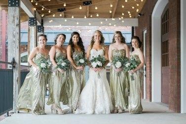 bridesmaids-on-porch