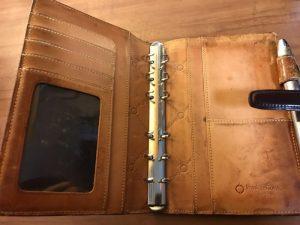 コードバンの手帳の内側