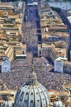 vatican_crowd