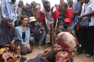 Somali refugees in Kenya meet with Oxfam celebrity ambassador Kristin Davis. (Photo courtesy of Wikimedia Commons)