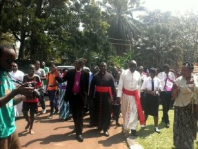 Supporters formed a spontaneous procession from St. Paul's Cathedral, Namirembe, to the Archbishop's Residence. (Photo courtesy of the Church of Uganda)