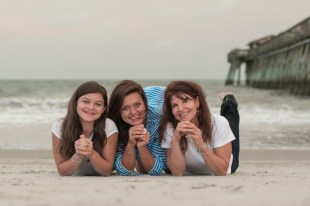 777 Portraits family beach photography