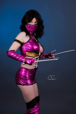 Mileena - Studio 1 by SonyaMerchier  Check out http://hotcosplaychicks.tumblr.com for more awesome cosplayWe're on Facebook!https://www.facebook.com/hotcosplaychicks