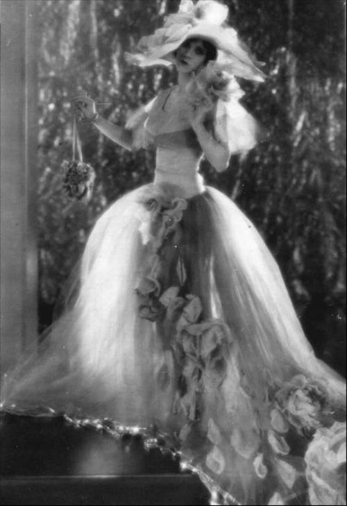 one of the models from the fashion show in Fig Leaves (1926)