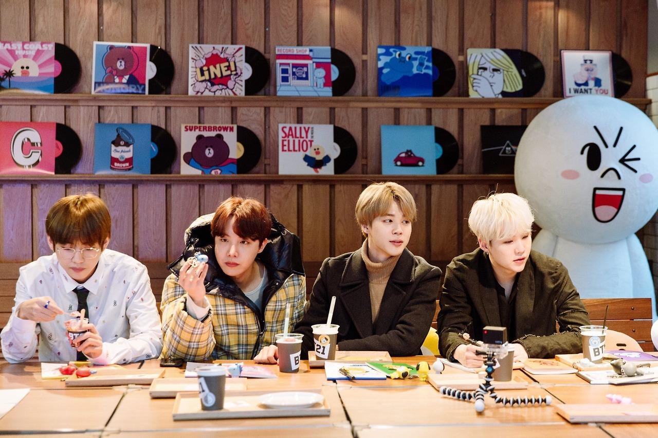 Faithful Kpop Bts Exo Got7 Twice Army Wanan One Bt21 Army Bomb Light Stick Plush Throw Pillow Cute Sofa Cushion New Gifts Profit Small Costumes & Accessories