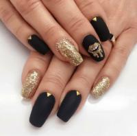 black and gold nail art | Tumblr