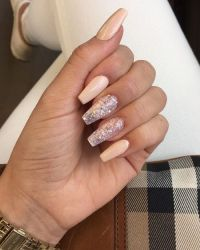 sparkly nails on Tumblr