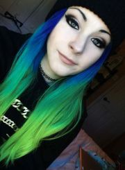 light green hair dye