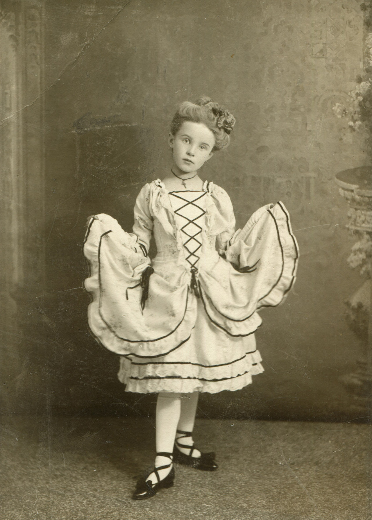 Portrait of a little German girl Hamburg 1910 – History