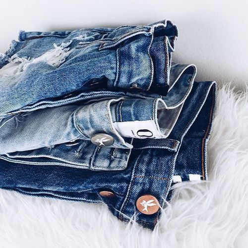 Shop stylish denim shorts »here« !