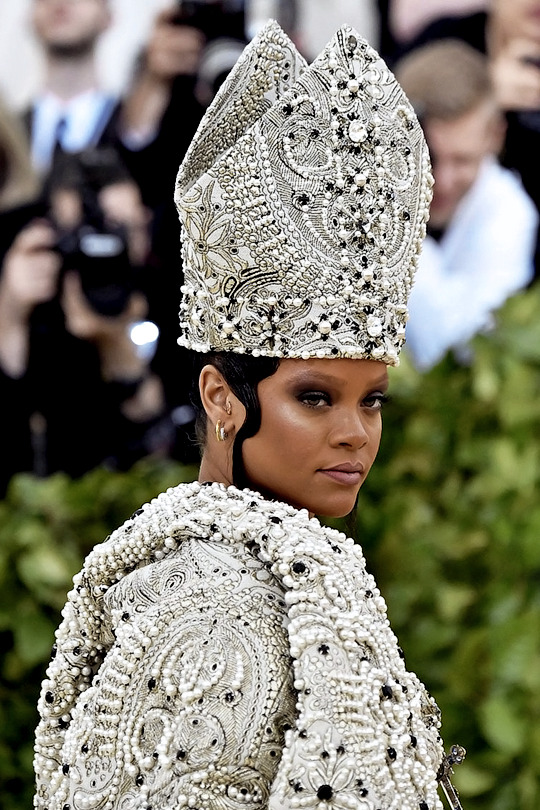 Rihanna attends the 'Heavenly Bodies: Fashion & The Catholic Imagination' Costume Institute Gala at The Metropolitan Museum of Art in New York City (May 7, 2018).