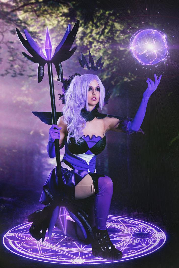 Elementalist Lux: Dark by JubyHeadshot  Follow us on Twitter - http://twitter.com/hotcosplaychick