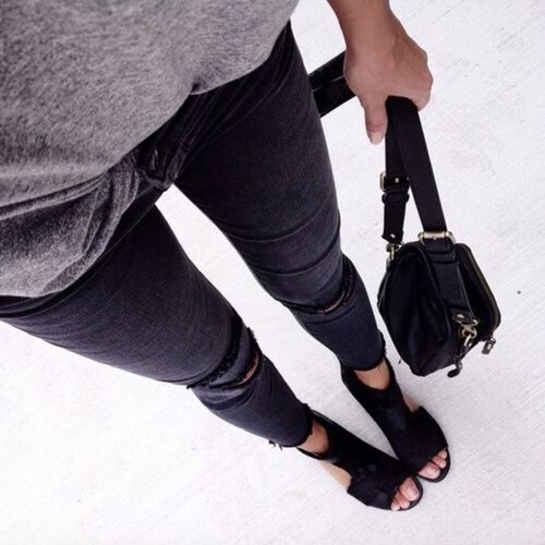 $10.32 Black ripped pants. Get them »here« !