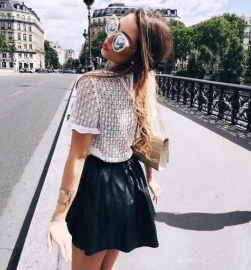 $22.49 Get her black skirt »here« !