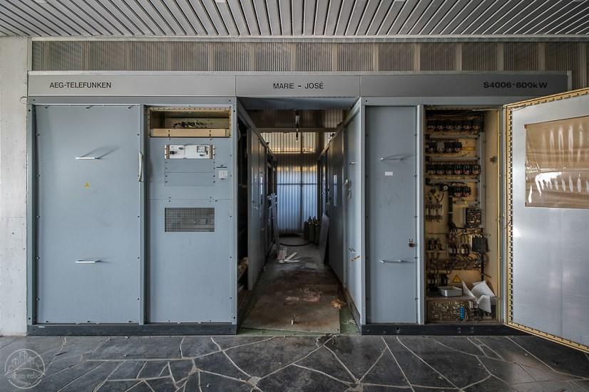 broadcast – Abandoned Playgrounds