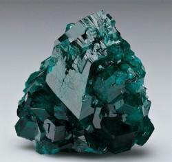 bijoux-et-mineraux:  Dioptase - Tsumeb Mine, Tsumeb, Otjikoto Region, Namibia