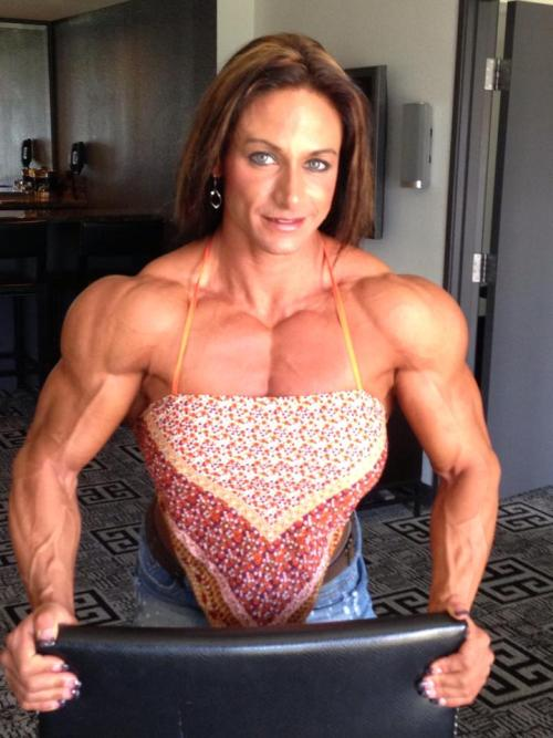 "mymmmmasquerade: "" jaypiejay: ""Stunning shoulders - Theresa Ivancik "" Ok, I am braced! "" What a Woman! Love that Strength and Power!"