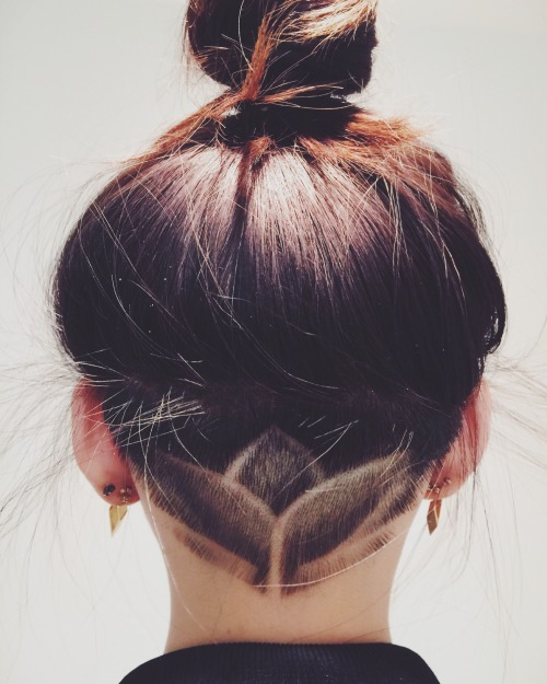 30 Tumblr Hairstyles With Undercut Hairstyles Ideas Walk The Falls
