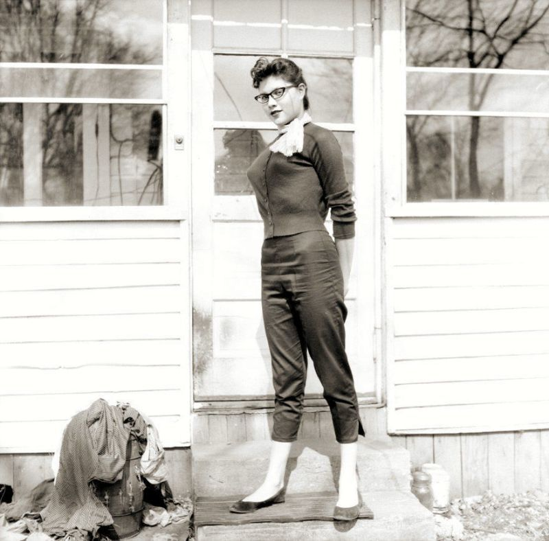 Capri pants: The favorite fashion trend of women from the