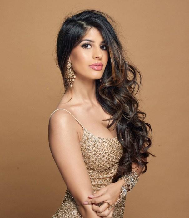 Jasmin Walia Supremely Hot Indian Babe