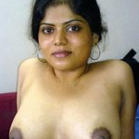 Sexy big tits Pakistani aunty housewife hot