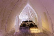 Hotel Arctic Snow Glass Igloos