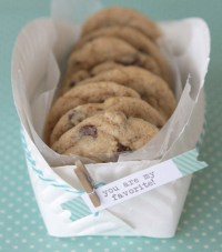 MERRY BRIDES  DIY COOKIE BASKET MADE FROM A PAPER PLATE