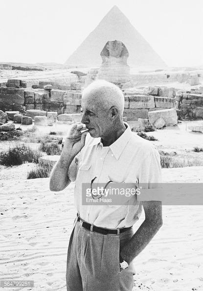 Howard Hawks smoking on the set of Land of the Pharaohs (1955)