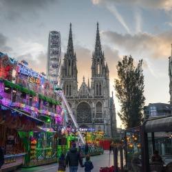 #belgie #belgian #belgium #belgique #ferriswheel #sunset #fair #clouds #church (bij Oostende, West-Vlaanderen, Belgium)