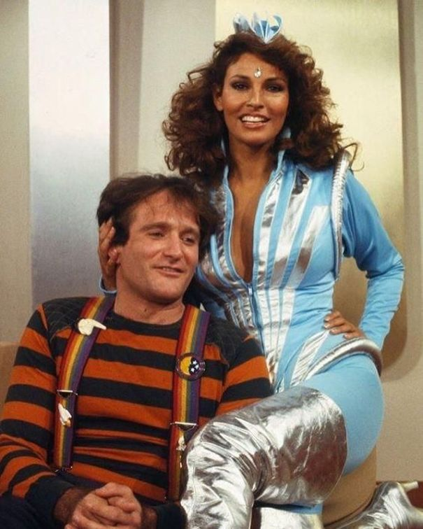 check out 358fd cd0b3 Robin Williams and Raquel Welch from the set of Mork and Mindy!!
