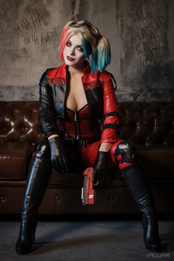 Injustice 2 - Harley Quinn by YaguarPhotography  Check out http://hotcosplaychicks.tumblr.com for more awesome cosplayWe're on Facebook!https://www.facebook.com/hotcosplaychicks