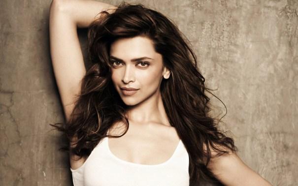 Deepika Padukone Hot Indian Babe