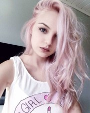pastelpink hair
