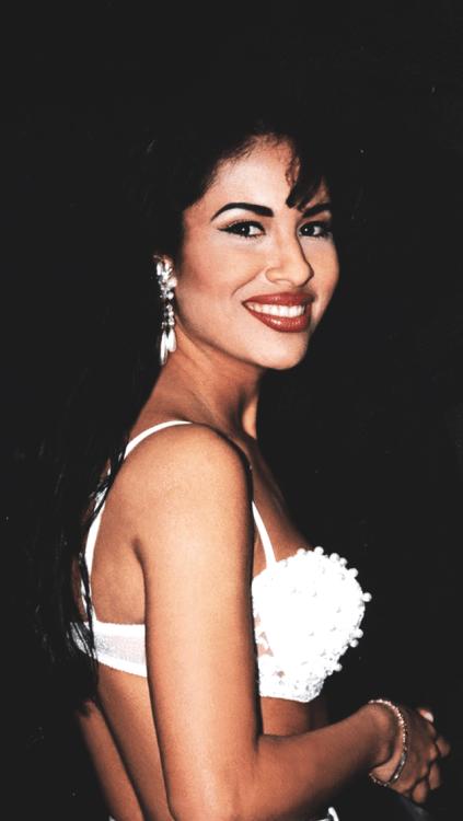 Mac Makeup Wallpaper Iphone Selena Quintanilla On Tumblr