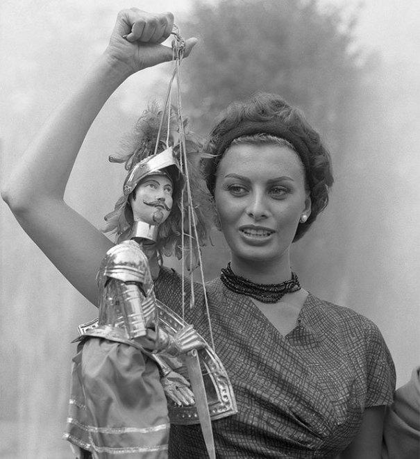 Sophia Loren At The Venice Film Festival In Rb