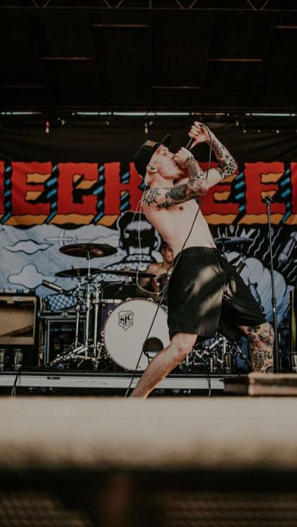 Grunge Girl Wallpaper Thrasher Aesthetic Tumblr
