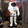 宇宙服を着て写真が撮れる。もちろんNASAブース。 (CES)