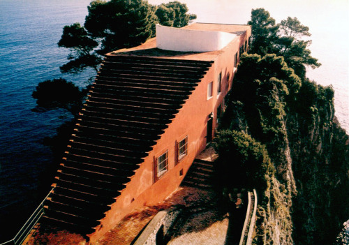 tumblr_p9uba80TSh1qfzymao3_500 just-good-design:  Malaparte house in Capri.Including some... Contemporary