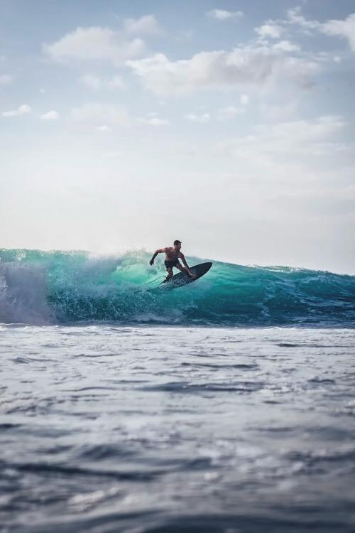 Surfing Girl Iphone Wallpaper Surfing Tumblr