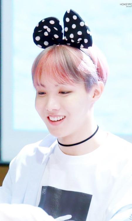 Jin Bts Cute Wallpaper Jhope Pink Aesthetic Tumblr
