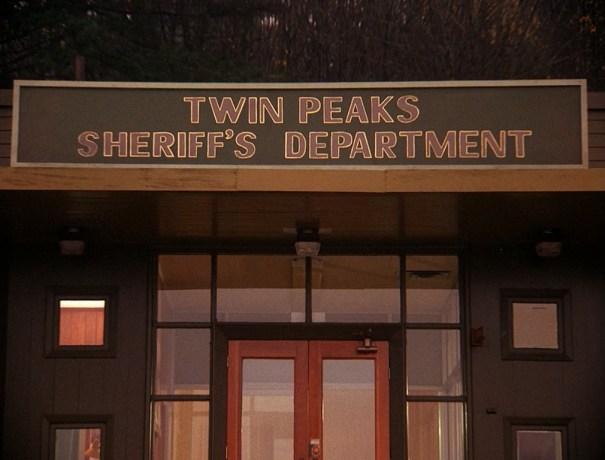 1×05 – Twin Peaks