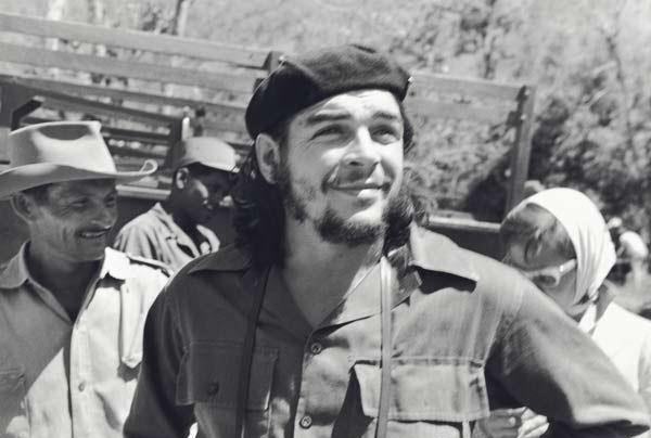 75d35e538c267 Che Guevara on the set of Historias de la Revolucion (1960)