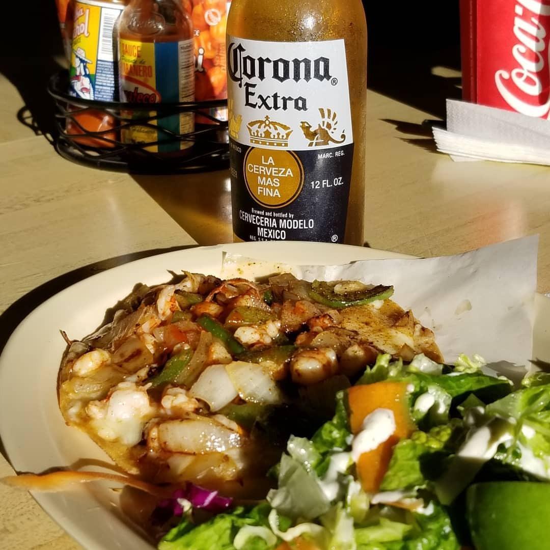 遅い昼食をメキシカンで。 (Los Panchitos Mexican Food (Midway))