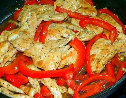 Resultado de imagen de Pechuga de pollo con pimientos