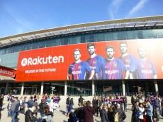 スタジアム中に楽天の広告