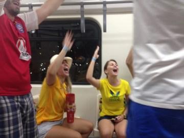 ブラジルの地下鉄は大騒ぎ