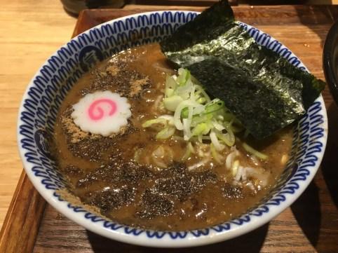 濃厚魚介豚骨スープ