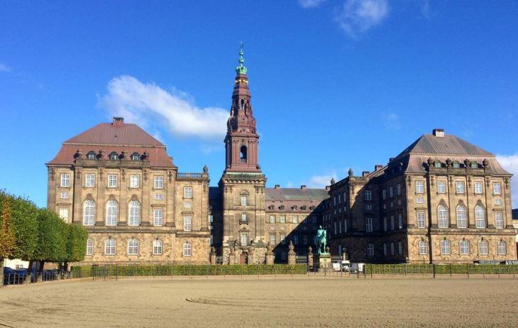 3 lugares incríveis para ter vista panorâmica de Copenhague - Palácio de Christiansborg - Copenhague - Dinamarca - 7 Cantos do Mundo